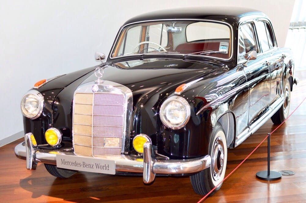 Mercedes benz world 52 photos 16 reviews car dealers for Mercedes benz brooklands