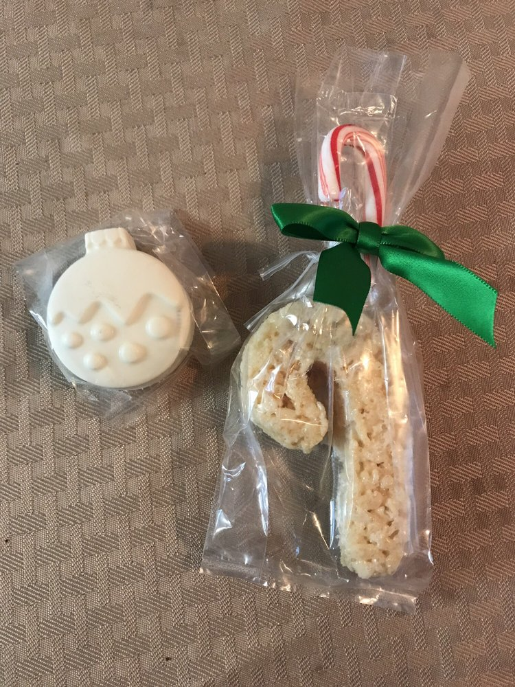 More Christmas Sweets White Chocolate Oreo Ornament And Rice Krispy