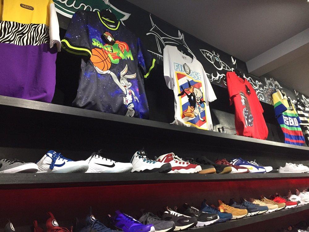 Young's V & S Variety Store: 1613 Washington St W, Charleston, WV
