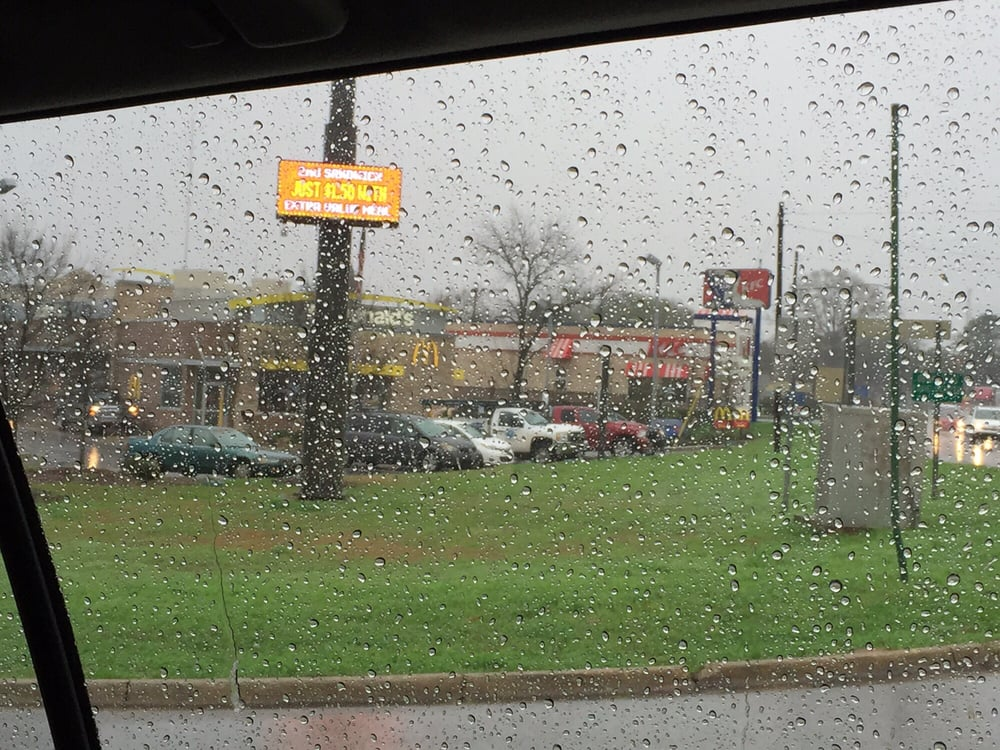 McDonald's: 1111 Walnut St, Demopolis, AL