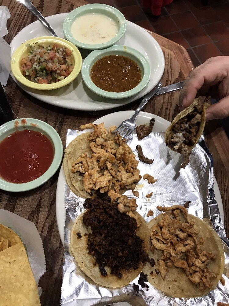 Las Brisas Mexican Restaurant: 8620 Daniel Dunklin Blvd, Pevely, MO