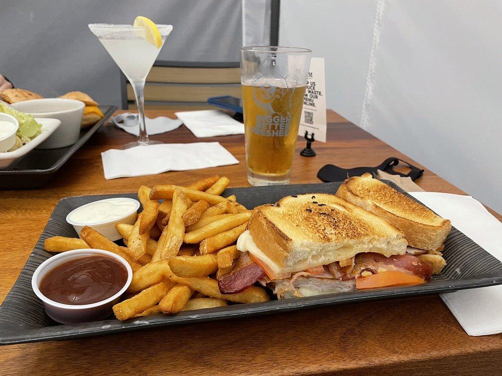 RAM Restaurant & Brewhouse: 9020 Market Pl, Lake Stevens, WA