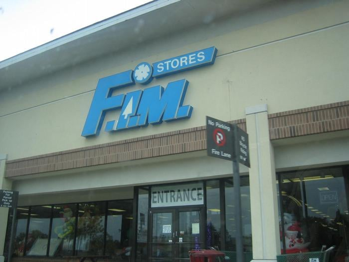 Fim stores furniture shops 140 e lake st bloomingdale for Furniture stores in the states
