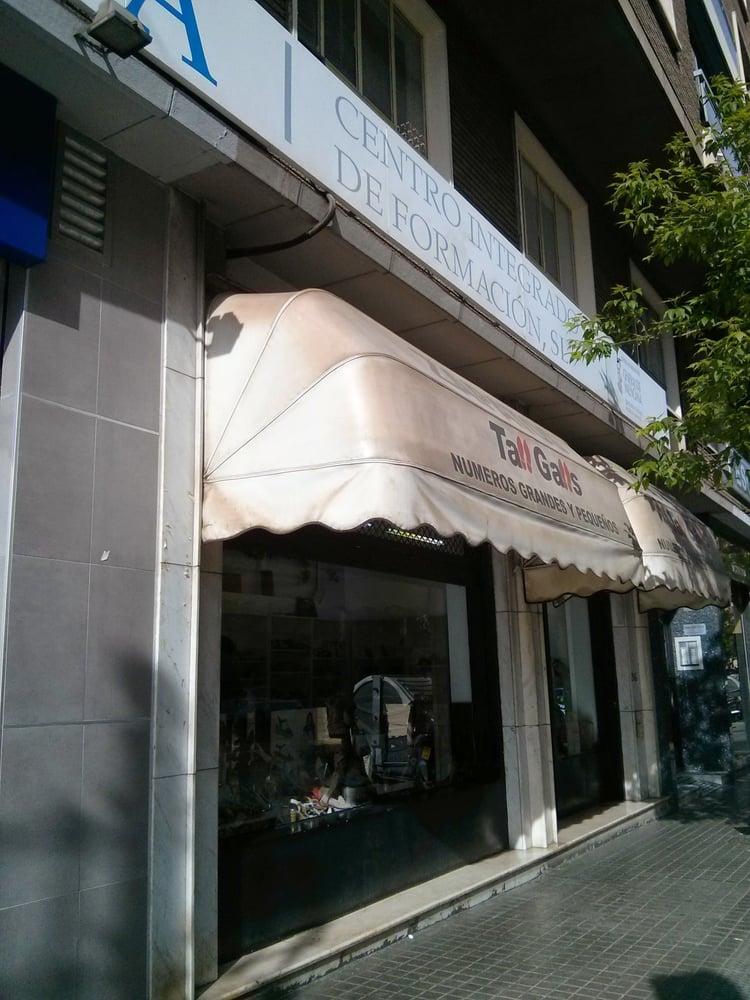 tall galls magasins de chaussures carrer del pintor benedito 10 arrancapins valence. Black Bedroom Furniture Sets. Home Design Ideas
