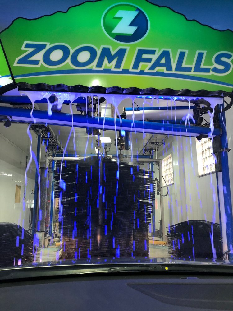 Zoom Express car Wash: 6320 Mayfield Rd, Mayfield Heights, OH