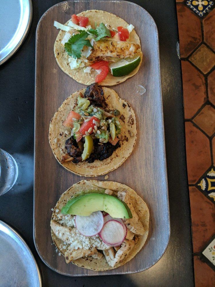 Salt Creek Tacos: 431 Temple Ave, Highland Park, IL