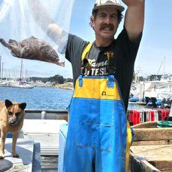 Half moon bay crab boats 222 photos 97 reviews for Half moon bay pier fishing