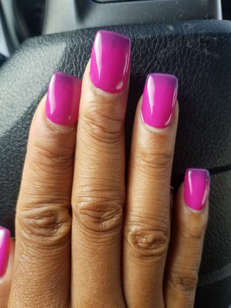 The new trend mood nails change color with cold water - Yelp