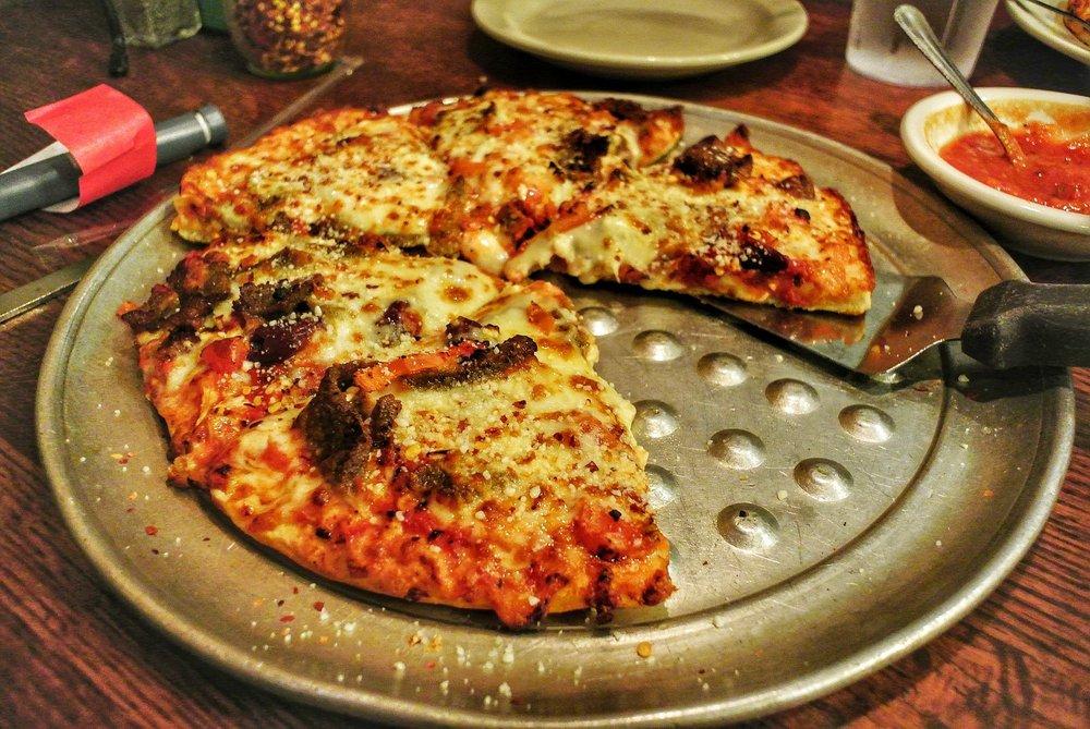 Gondolier Restaurant: 116 Tanner Pl, Clinton, TN