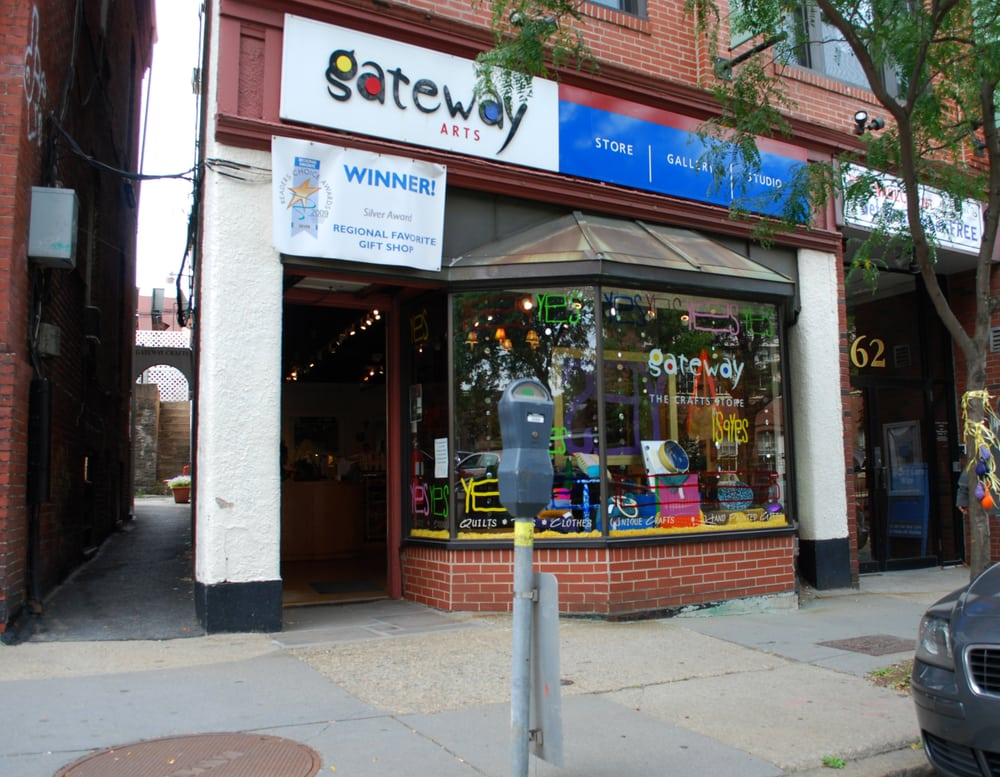 Brookline News and Gift shop is a great place to get a good cigar. I do enjoy going to the cigar shop near the commons but I can't always get into the city so Brookline News is great. I have also found a few treasurers buried in the