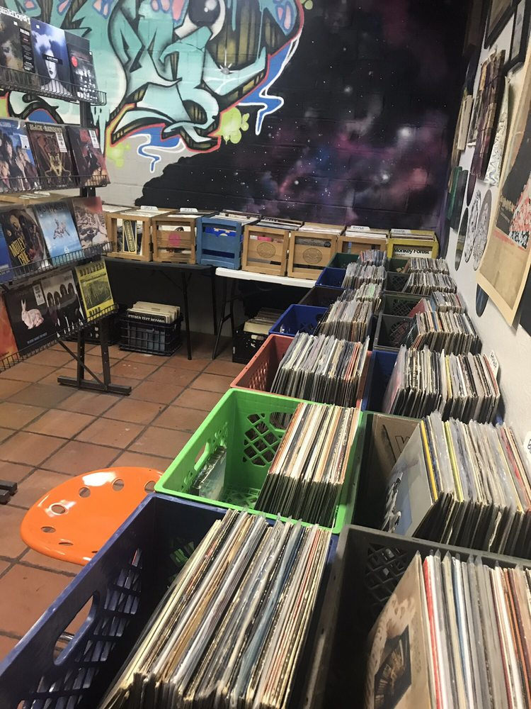 Atomic Wax: 501 Texas Ave, El Paso, TX