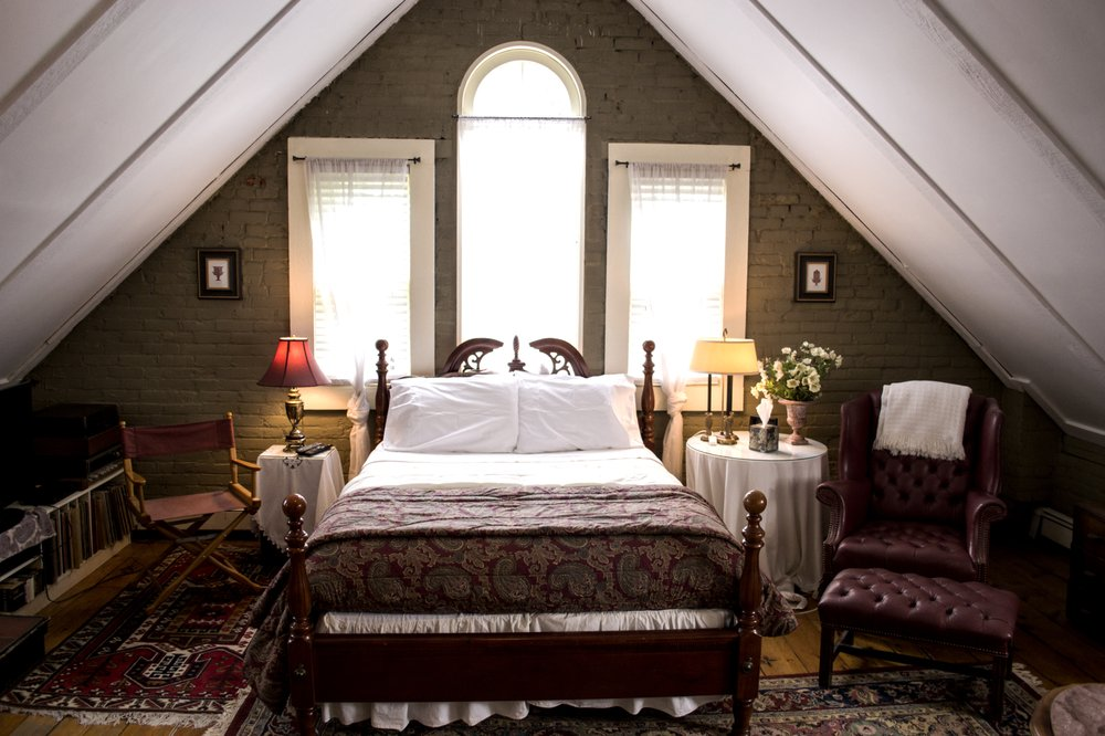 Clifford House Bed & Breakfast