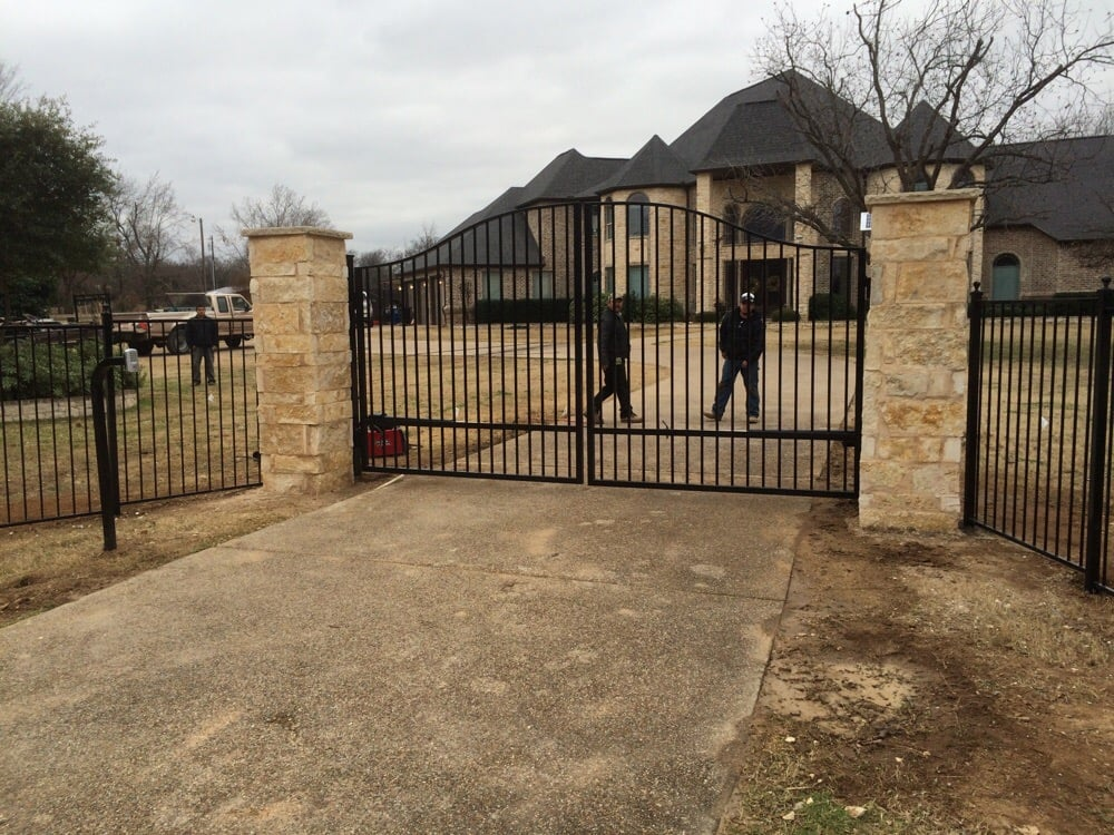 New Double Gate And Pillars!
