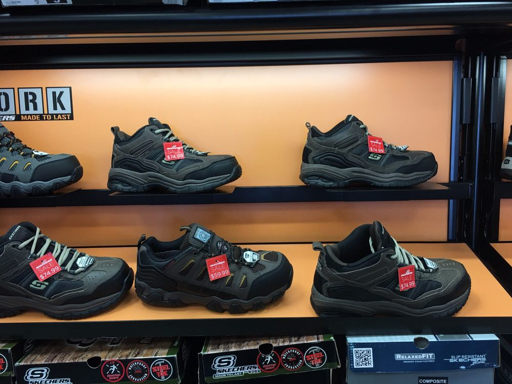 Your local Skechers stores in San Antonio, Texas feature all your favorite Skechers styles and collections! Our casual offerings include trend-right sneakers, dress shoes, sandals, and boots for men and women. And there are countless fun shoes for kids, .