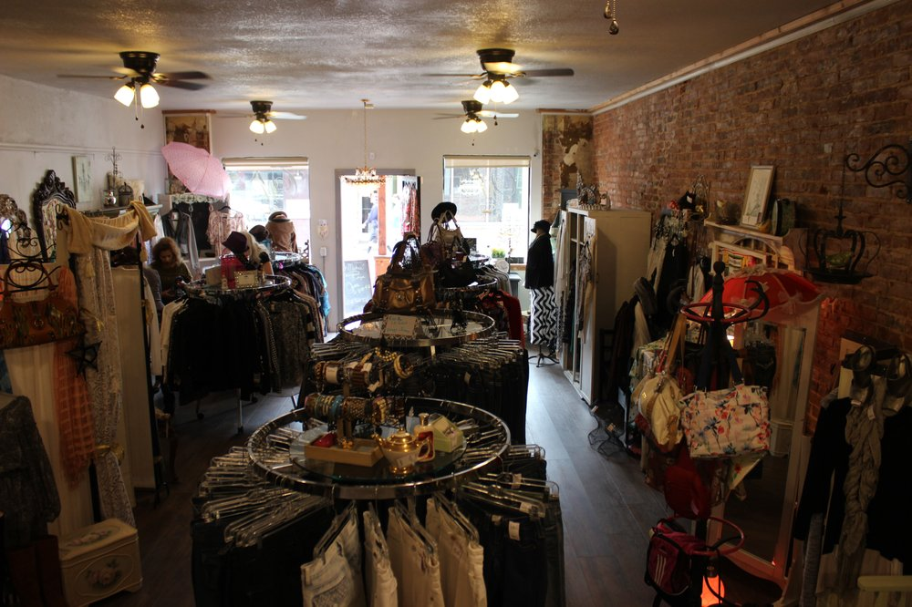 O Mistress Mine Boutique: 118 N Main St, Jackson, CA