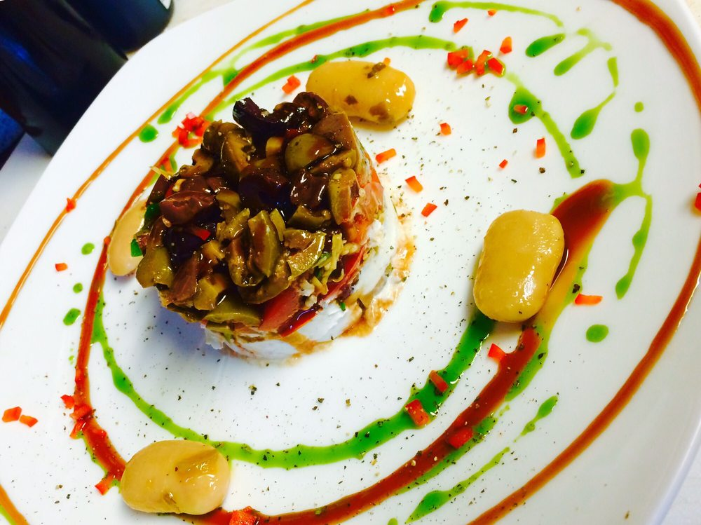 Maras Gourmet: 2119 Spencerville Rd, Lima, OH