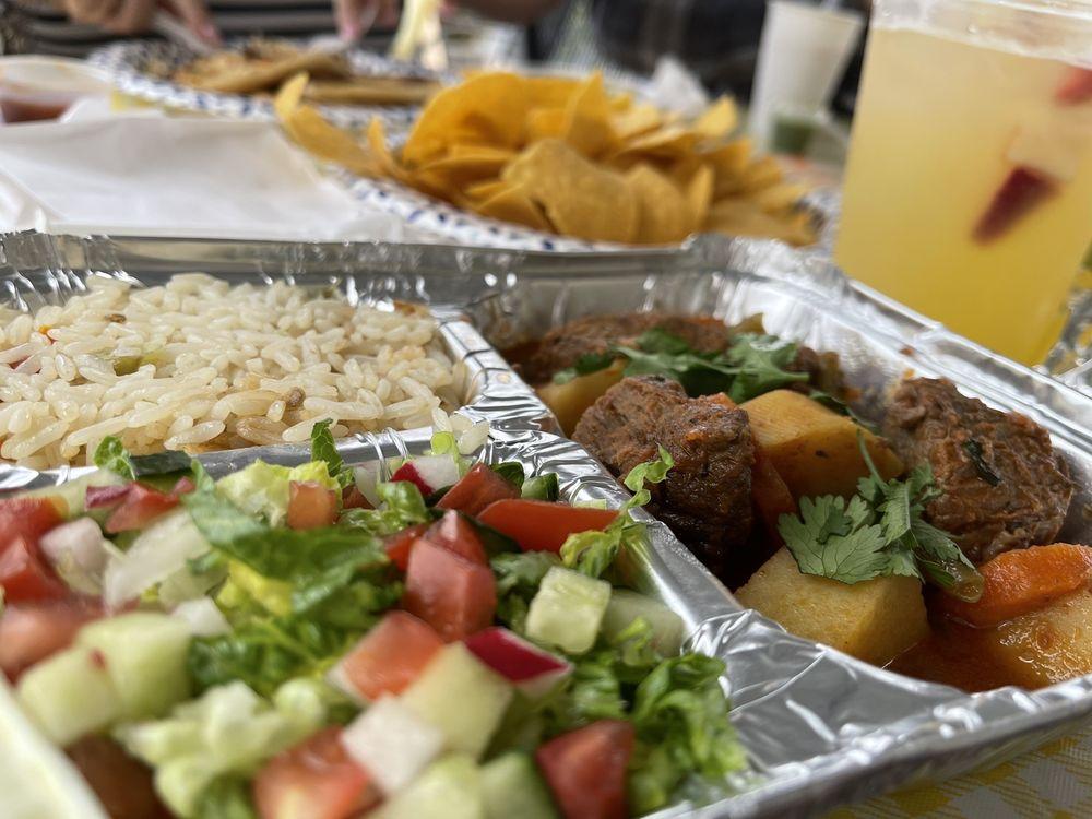 Food from Gloria's Pupuseria