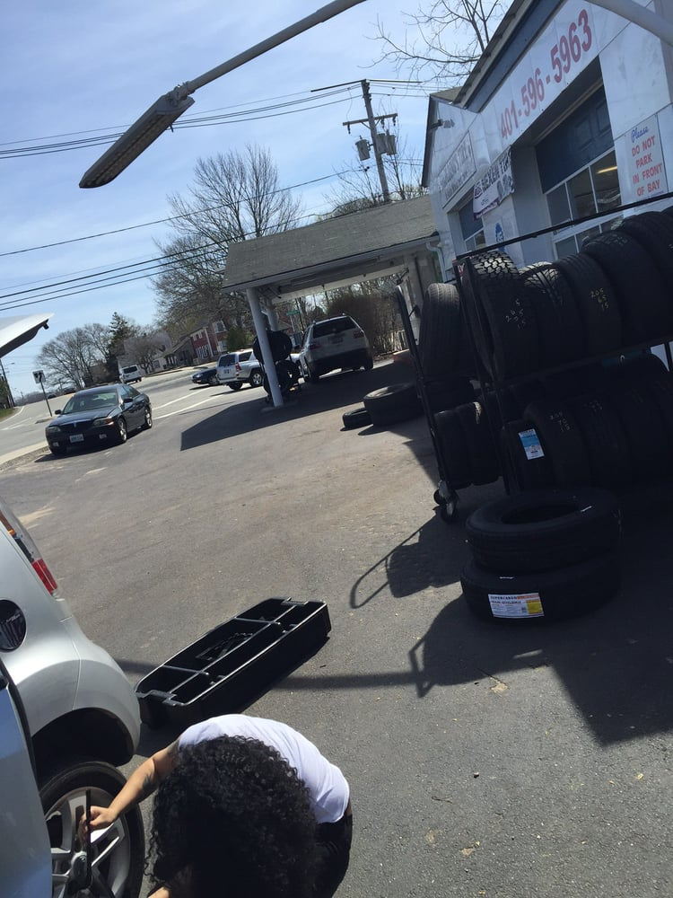Spaulding's Tire & Auto Maintenence: 228 High St, Westerly, RI