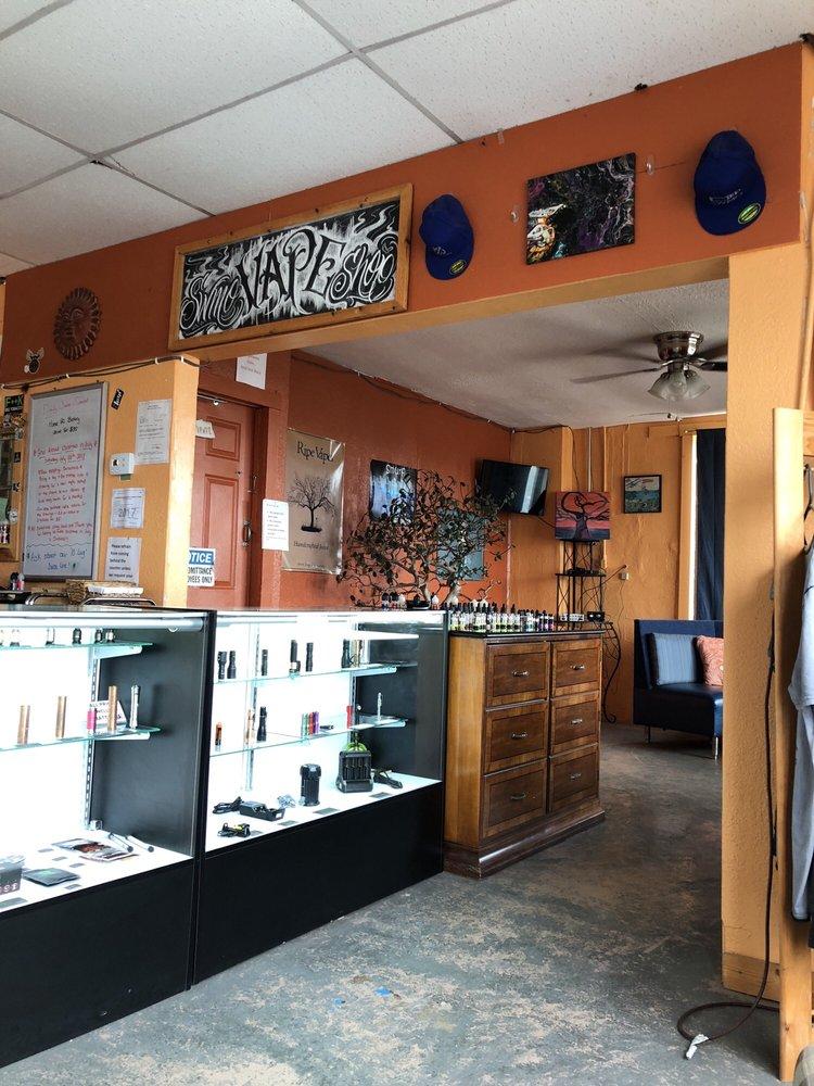 Swmo Vape Shop: 701 E Mt Vernon Blvd, Mount Vernon, MO
