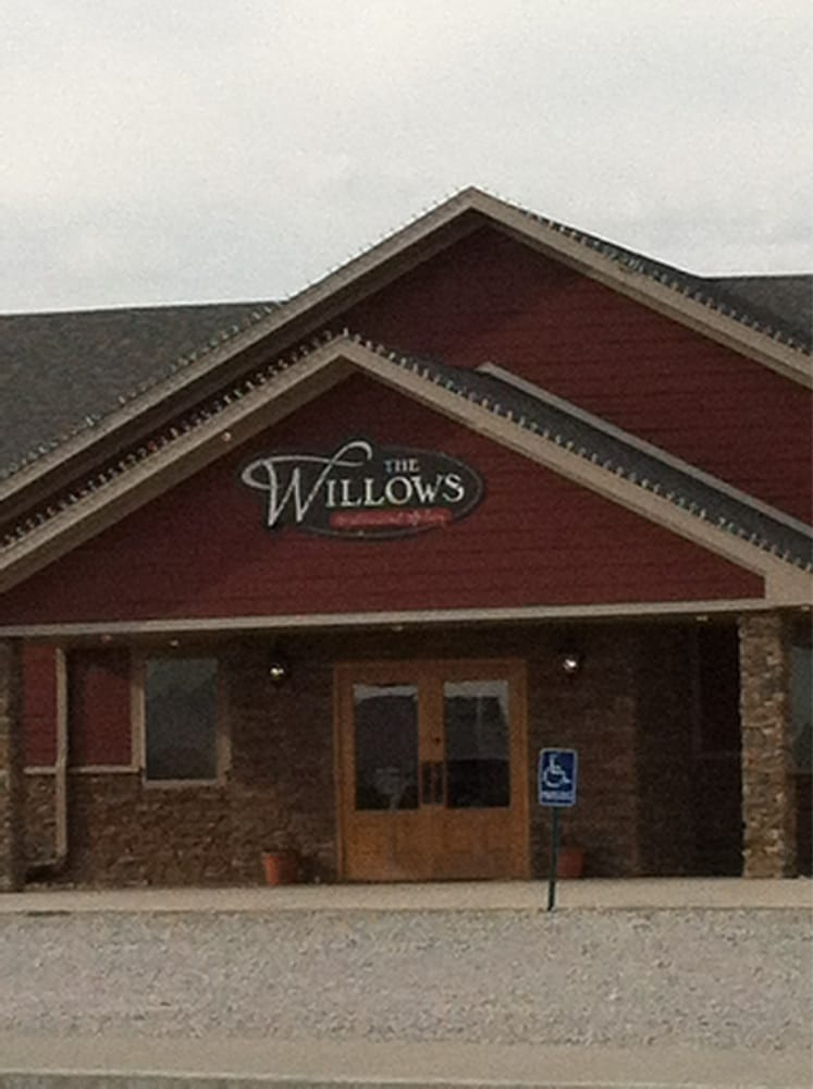 Willows Restaurant & Bar: 1921 North St, Seneca, KS