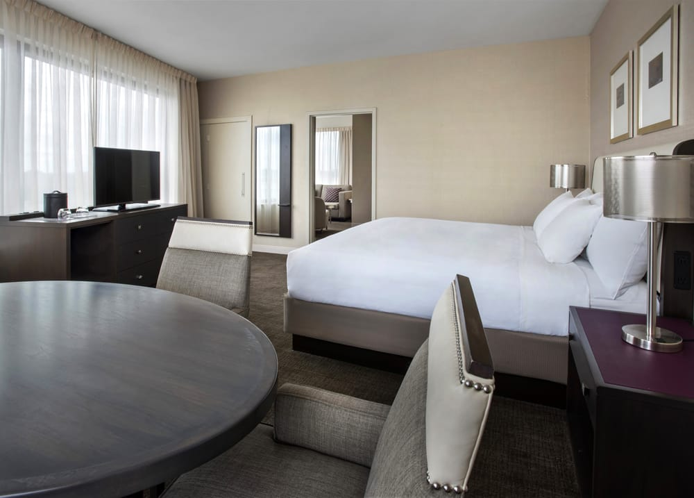Hyatt Regency Pittsburgh International Airport: 1111 Airport Blvd, Pittsburgh, PA