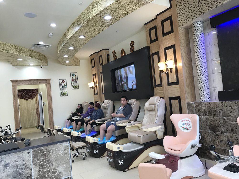 Grand Nails Salon: 3116 Raeford Rd, Fayetteville, NC