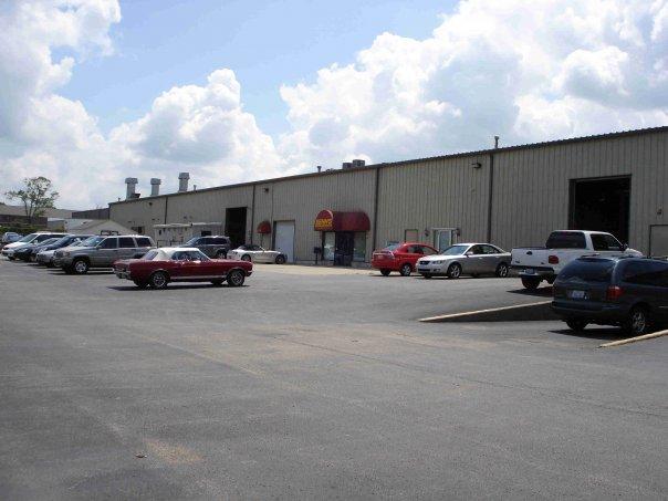 Senn's Collision Repair Centers: 13010 Middletown Industrial Blvd, Louisville, KY