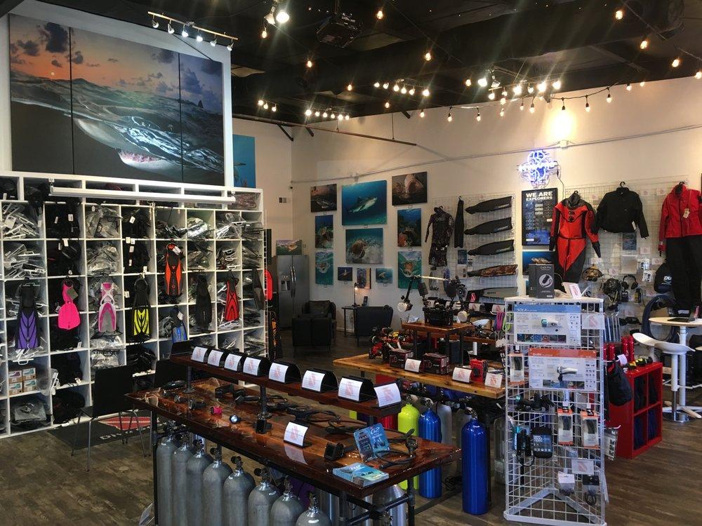 Dive Georgia: 168 Towne Lake Pkwy, Woodstock, GA