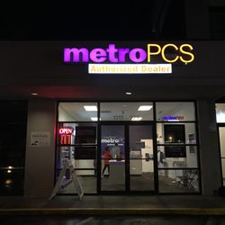 Yelp Reviews for MetroPCS - (New) Mobile Phones - 1313 156th Ave NE