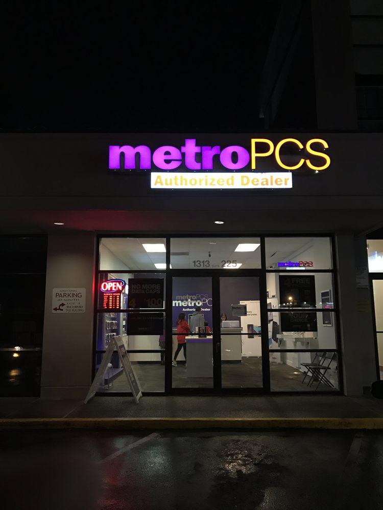 MetroPCS - Mobile Phones - 1313 156th Ave NE, Bellevue, WA