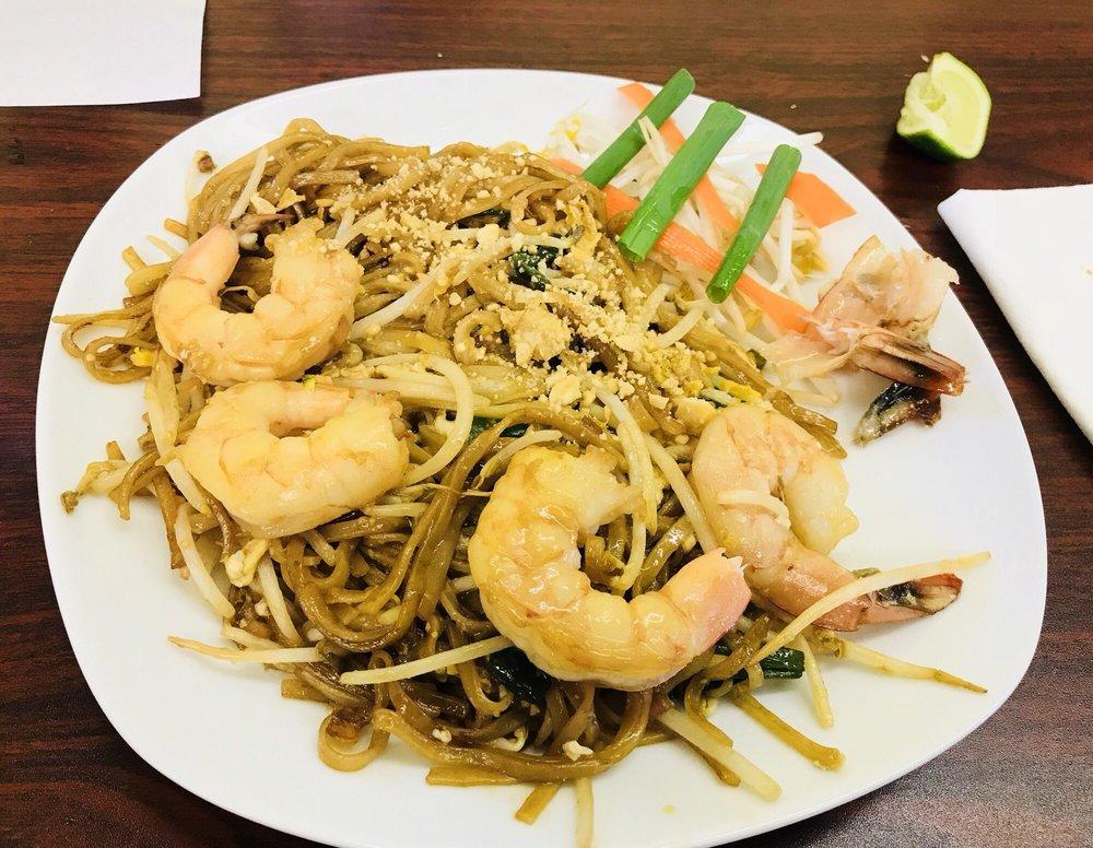 Jasmine's Thai Cafe: 1006 Water St, Bastrop, TX