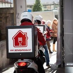 restaurant a casa - food delivery services - carrer del pont, 3