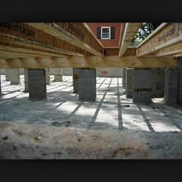 Crawl spaces foundation moisture barriers moisture for Slab vs crawl space