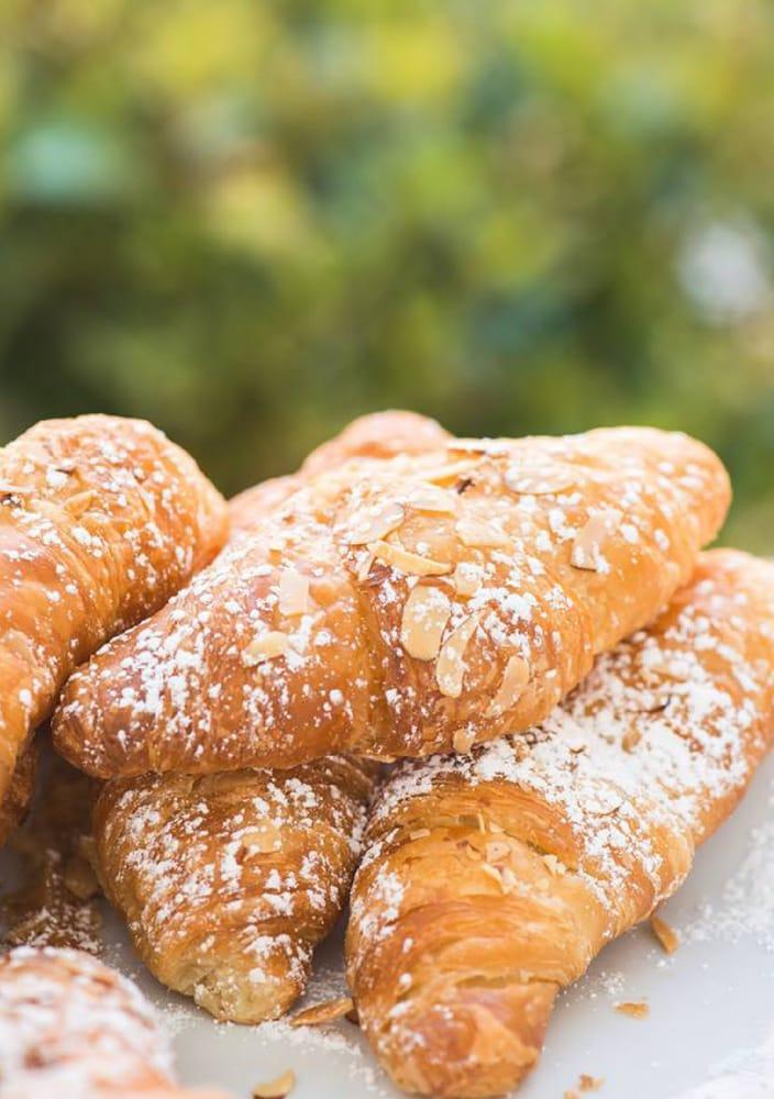 Croissants Bistro & Bakery