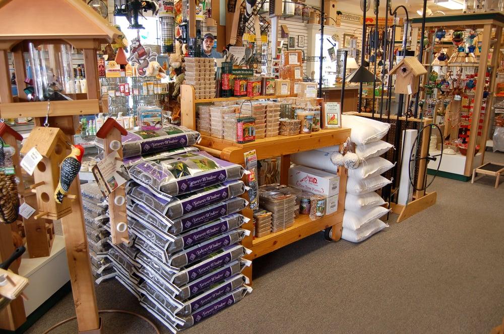 J J Cardinal's Wild Bird & Nature Store: 12830 S Saginaw St, Grand Blanc, MI
