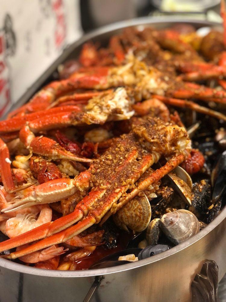Million's Crab: 2800 S Oneida St, Ashwaubenon, WI