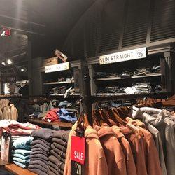 closest hollister store
