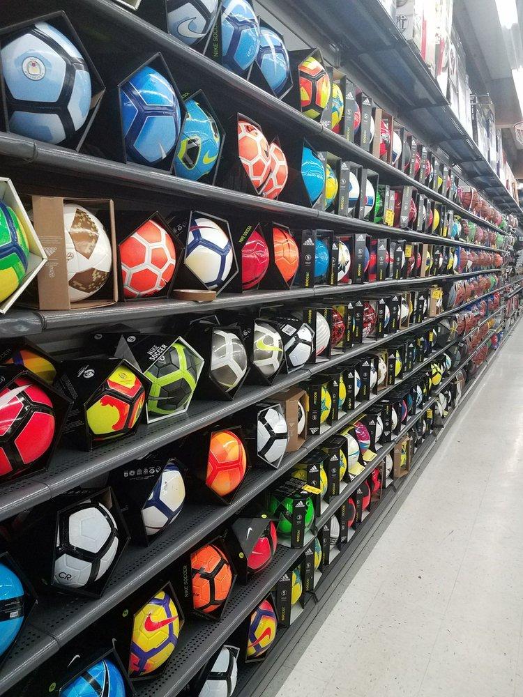 Big 5 Sporting Goods: 2801 W Nob Hill Blvd, Yakima, WA