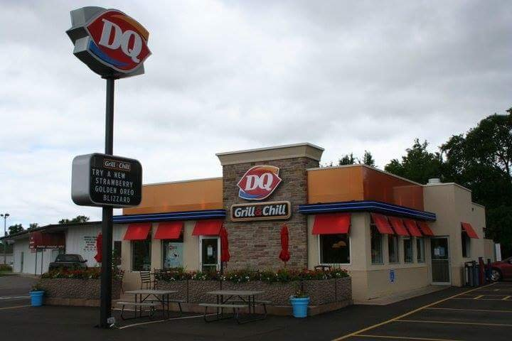 Dairy Queen Grill & Chill: 850 N Minnesota Ave, Saint Peter, MN