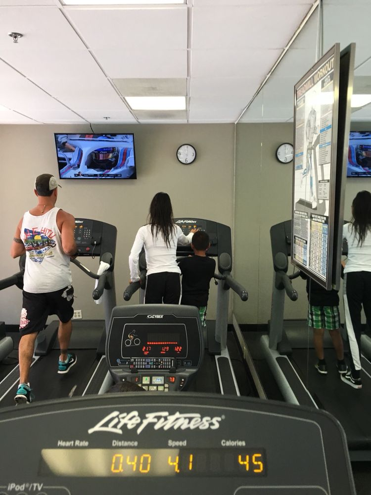 This cardio side of the gym is probably about the size of a small