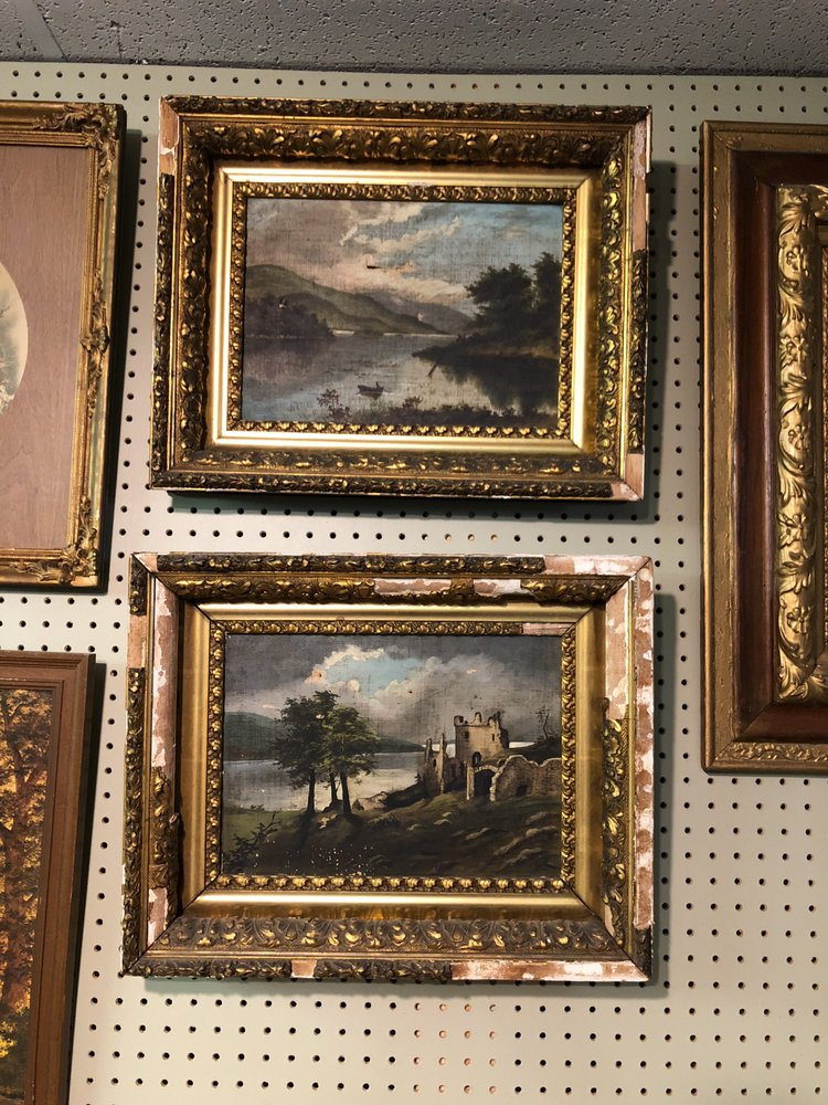 Constables Antiques: 25 S Indiana St, Mooresville, IN