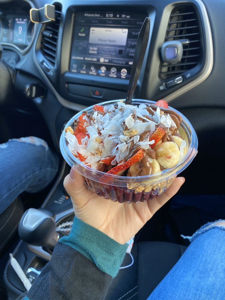 Food from Berry Bowls