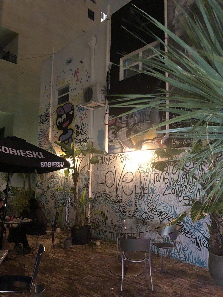 New Yorker Patio Bar: 6500 Biscayne Blvd, Miami, FL