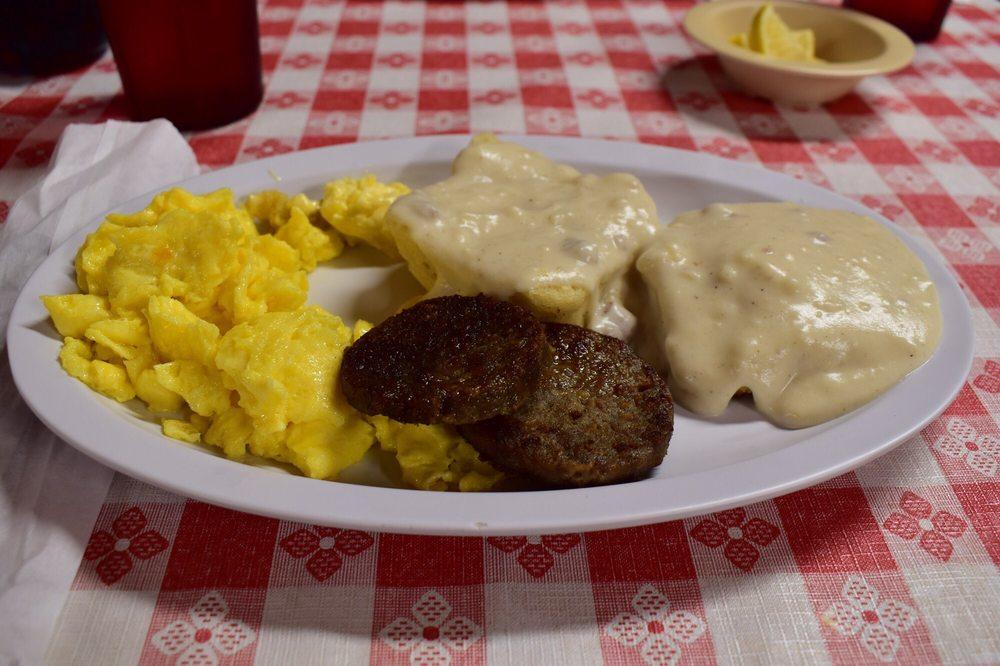 Hillsville Diner: 525 N Main St, Hillsville, VA