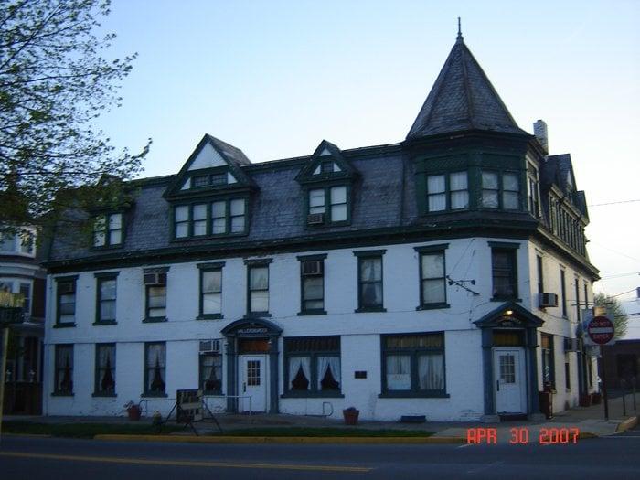 Millersburger Hotel: 146 S Market St, Millersburg, PA