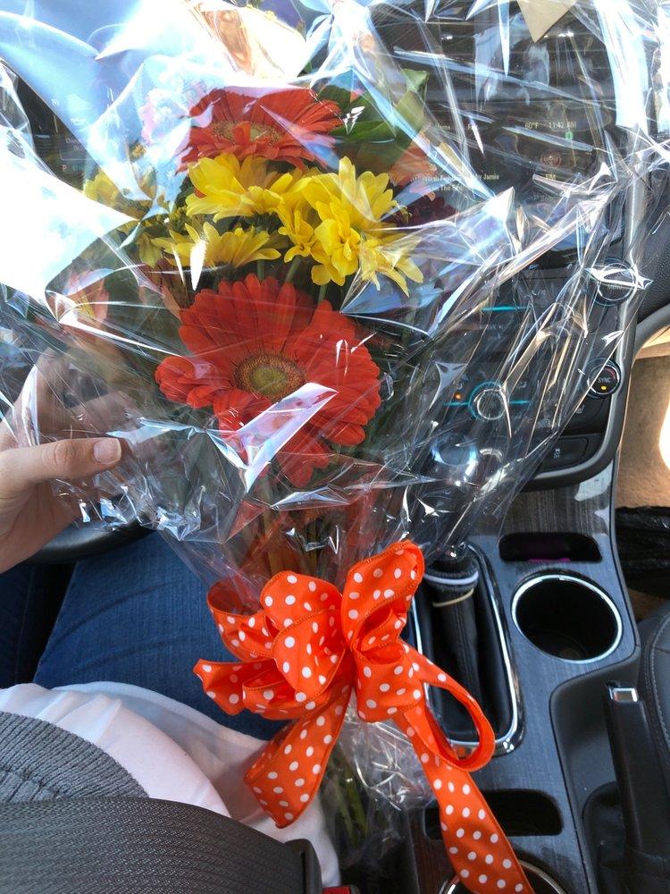 Bobola Florist: 5268 Forrest Ave, Dover, DE