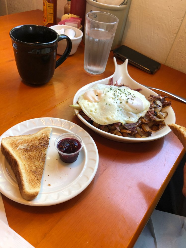 Homemade Cafe: 809 3rd St, Pepin, WI