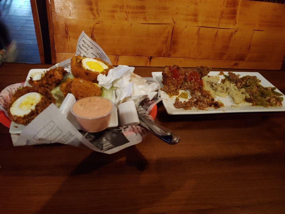 The Butchers Pub - Williamsburg: 401 Main St, Williamsburg, KY