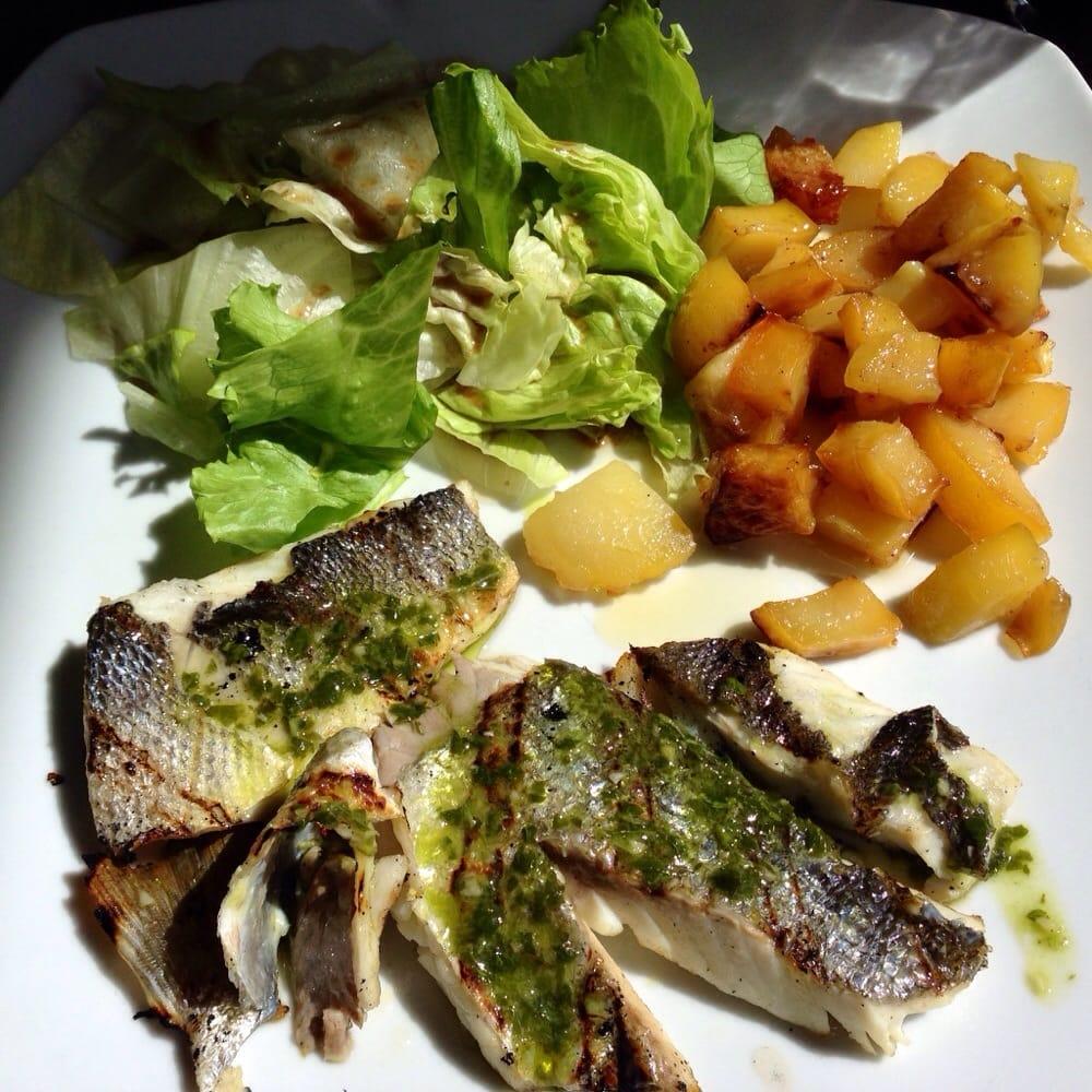 wolfsbarsch vom grill mit salat und kartoffeln als tagesmen f r eur 9 90 yelp. Black Bedroom Furniture Sets. Home Design Ideas