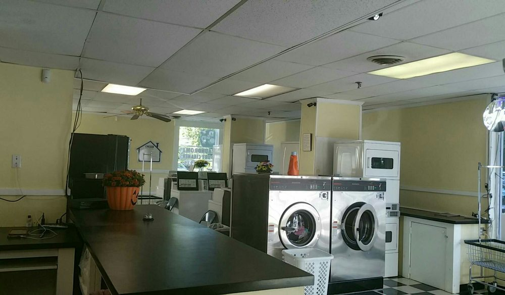 D & D Laundromat And Cleaners: 76 Lowell Rd, Hudson, NH